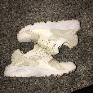 White huaraches